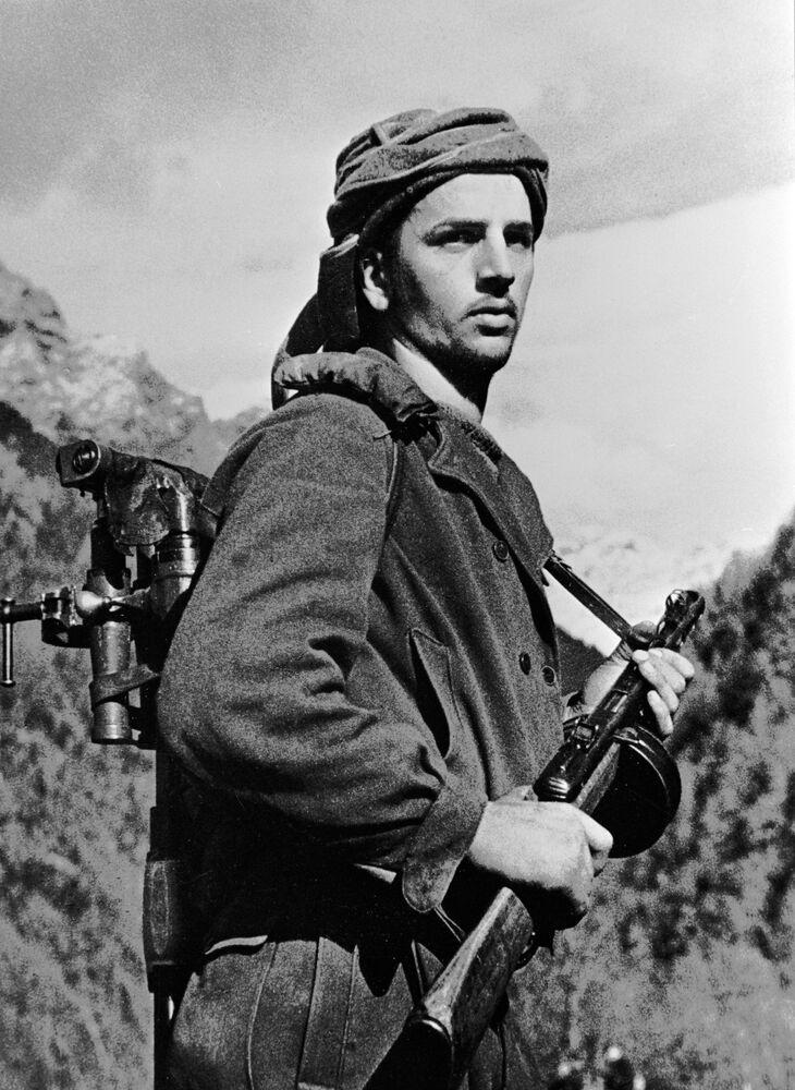 Abchazský voják v horách na Kavkaze, 1942