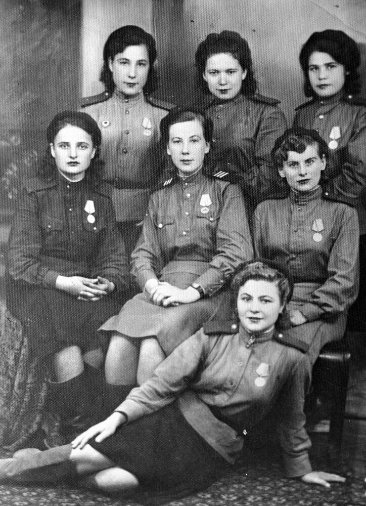 Dagestánské dívky – účastnice Velké vlastenecké války, 1944