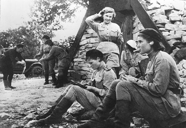 Sovětské letkyně během války, 1941 - Sputnik Česká republika