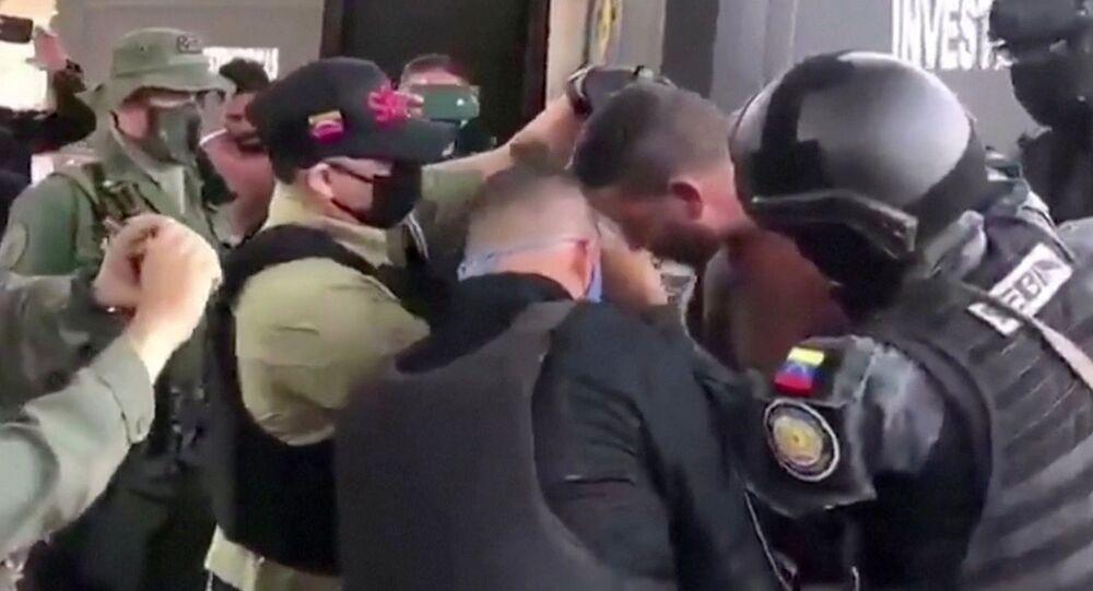 Přeprava podezřelého ve Venezuele