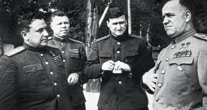Na cestě k Berlínu. Zprava doleva: Georgij Žukov, Vasilij Sokolovskij, Michail Malinin, Ivan Grišin