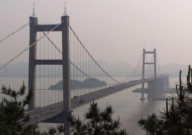 Most Humen v čínské provincii Kuang-tung.