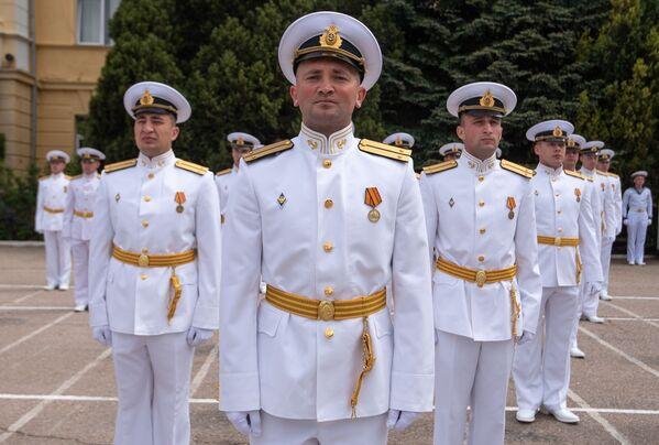 Důstojníci Nachimovské námořní školy na výroční 70. promoci v Sevastopolu. - Sputnik Česká republika