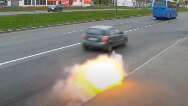 Kamera v Petrohradu natočila neobyčejný jev na silnici - Sputnik Česká republika