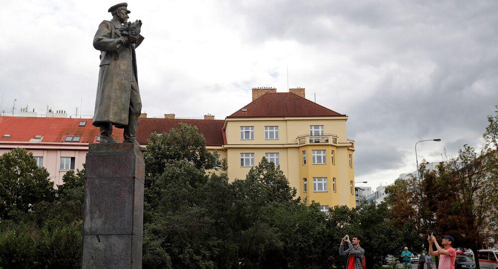Památník maršála Koněva na Praze 6.