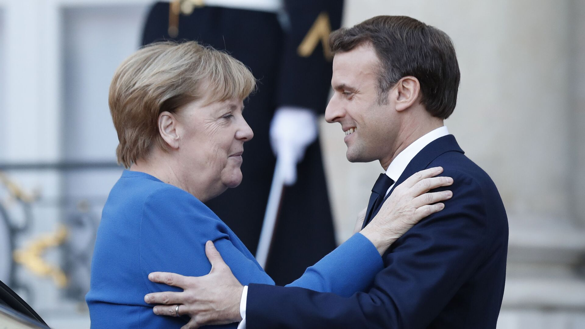 Německá kancléřka Angela Merkelová a francouzský prezident Emmanuel Macron v Paříži - Sputnik Česká republika, 1920, 23.06.2021