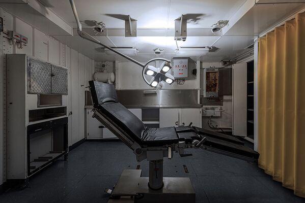 Zubařské křeslo na opuštěné vojenské lodi - Sputnik Česká republika