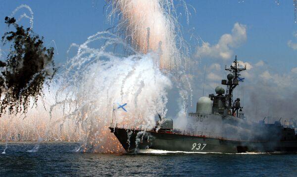 Zkouška námořní přehlídky na hlavní základně Tichomořského loďstva - Sputnik Česká republika