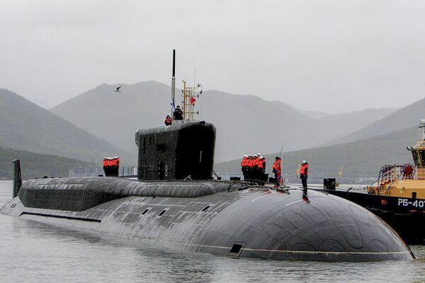 Slavnostní uvítání atomového ponorkového křižníku Alexandr Něvský na stálé základně Viljučinsk - Sputnik Česká republika