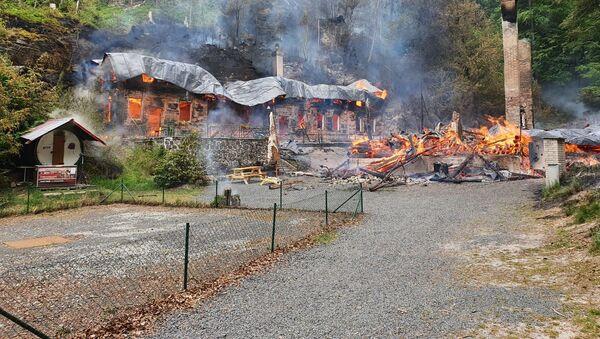 Požár v Národním parku České Švýcarsko, kde shořely chaty Na Tokání - Sputnik Česká republika