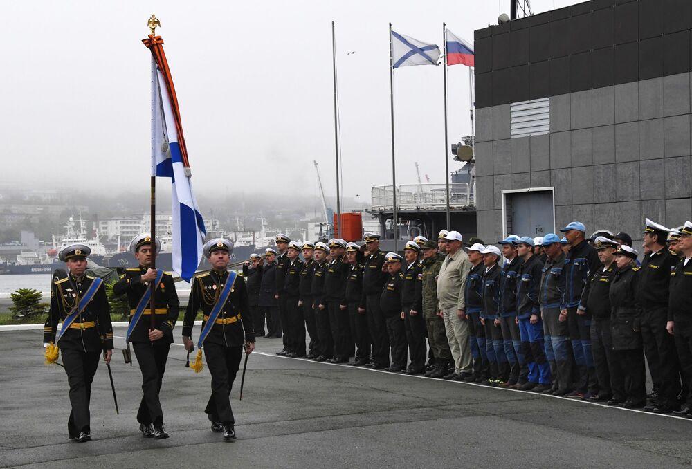 Slavnostní setkání posádky záchranného remorkéru Tichomořského loďstva Fotij Krylov ve Vladivostoku
