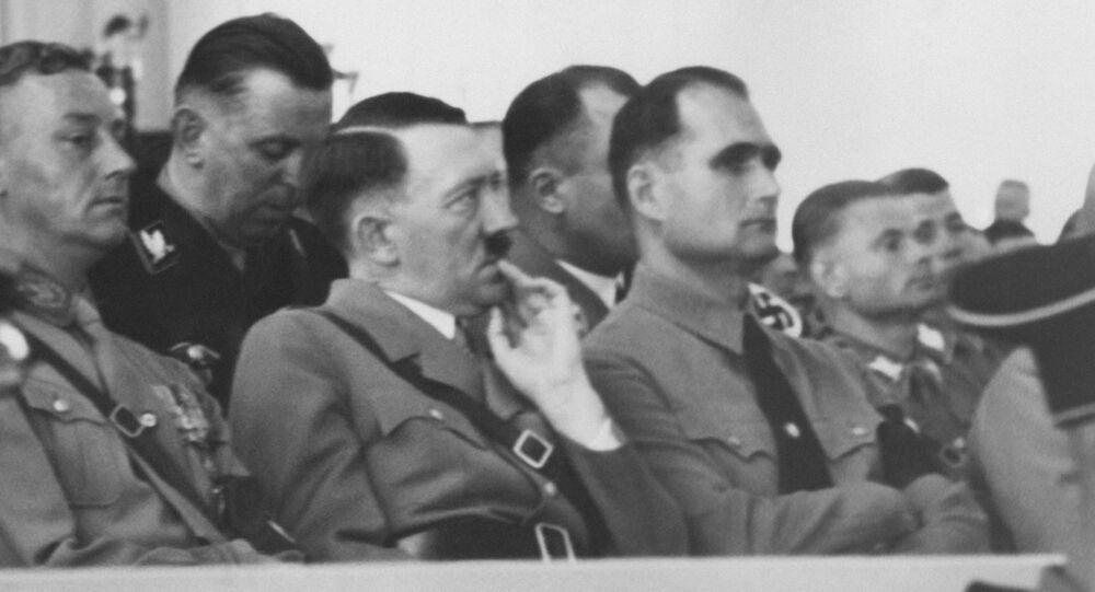 Adolf Hitler a Rudolf Höss