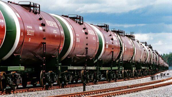 Cisterny s ruskou ropou. Ilustrační foto - Sputnik Česká republika
