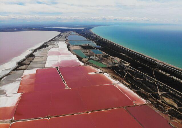 Sasyk-Sivaš: Růžové jezero a unikátní přírodní skvost ruského Krymu