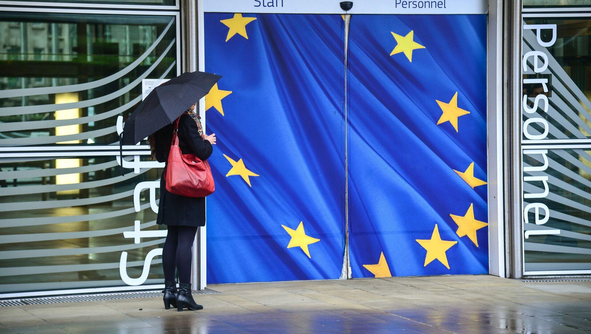 Vchod do budovy Evropské komise v Bruselu. Ilustrační foto - Sputnik Česká republika, 1920, 27.03.2021