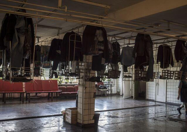 Šaty dělníků dolu Zarja.
