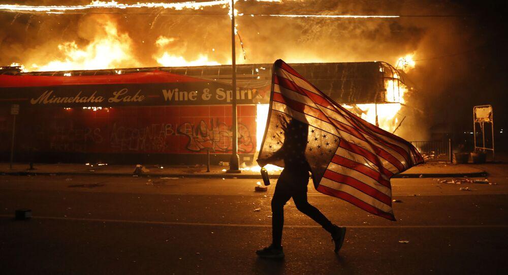 Protestující v Minnesotě, USA