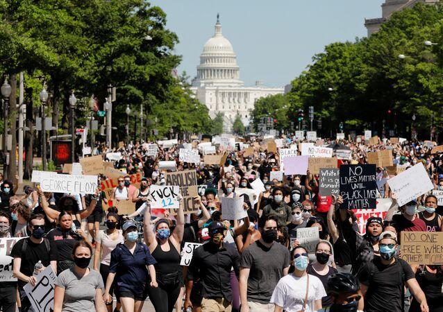 Protestující ve Washingtonu