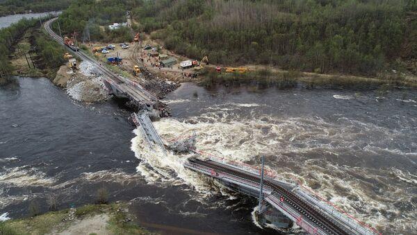 V Murmanské oblasti Ruska se zhroutil železniční most. - Sputnik Česká republika