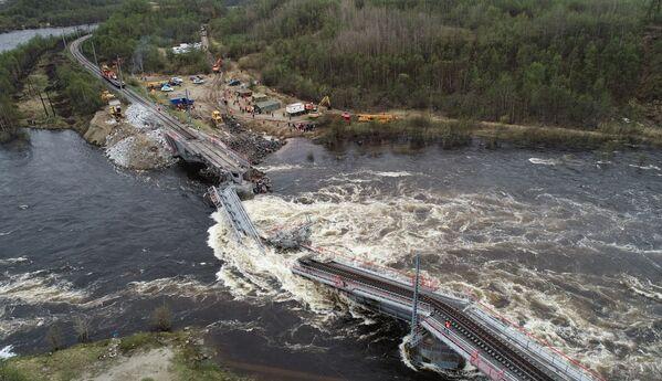 Most se nachází mezi stanicí Kola a Vychodnoj v Kolském obvodu Murmanské oblasti. - Sputnik Česká republika