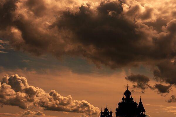 Pohled na kostely v přírodní rezervaci Kiži - Sputnik Česká republika