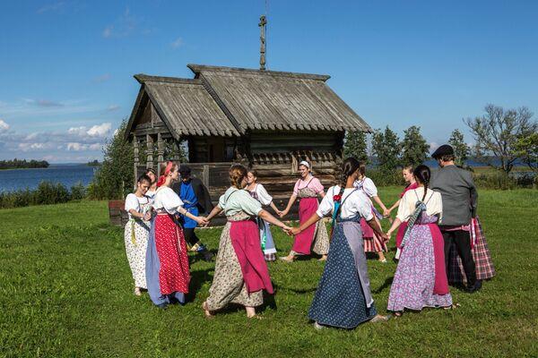 Státní historická, architektonická a etnografická rezervace Kiži na ostrově Kiži v Karélii - Sputnik Česká republika