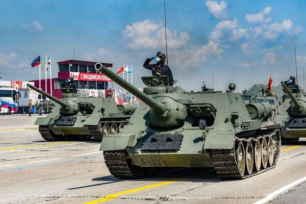Vojenské vybavení na zkoušce přehlídky k 75. výročí vítězství. Alabino, Moskevská oblast. - Sputnik Česká republika
