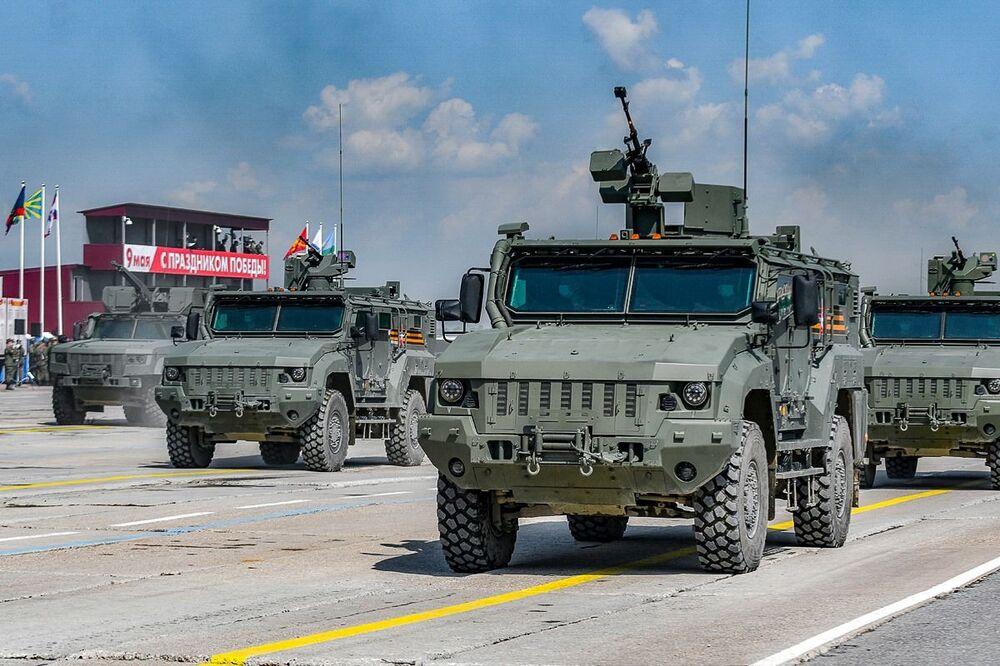Vojenské vybavení na zkoušce přehlídky k 75. výročí vítězství. Alabino, Moskevská oblast.
