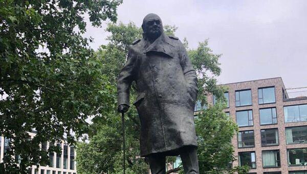 Posprejovaný pomník Winstonu Churchillovi v Praze - Sputnik Česká republika