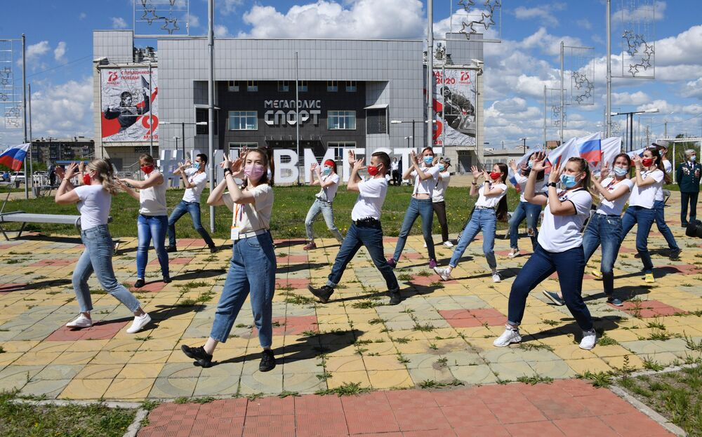 """Taneční flash mob """"Moje Rusko"""" v Čitě."""