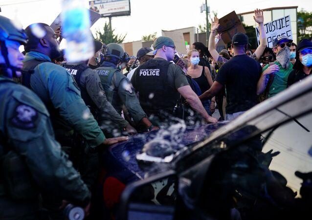 Protesty kvůli smrti Afroameričana v Atlantě