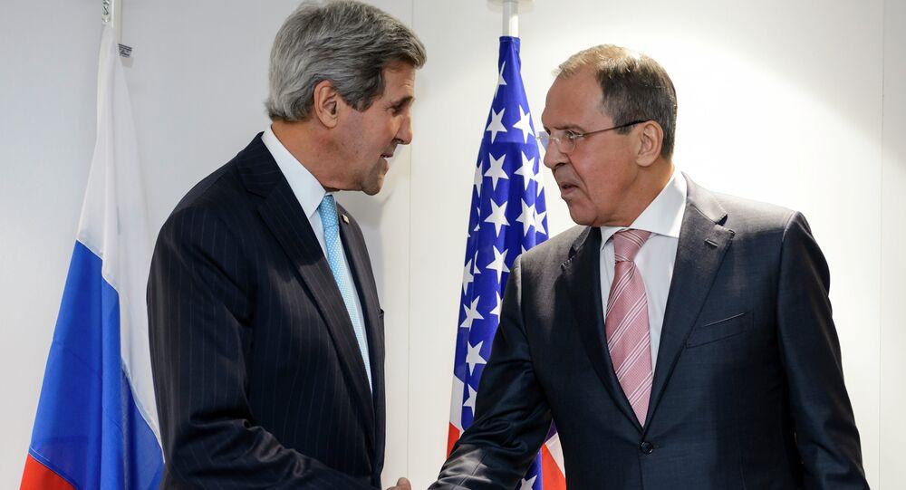Ministr zahraničí USA John Kerry a ministr zahraničí RF Sergej Lavrov