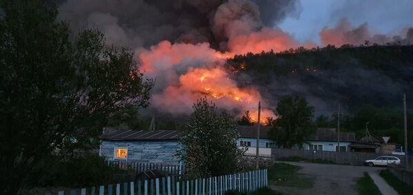 Ohnivý živel ničí krásu. Lesní požáry na Kamčatce - Sputnik Česká republika