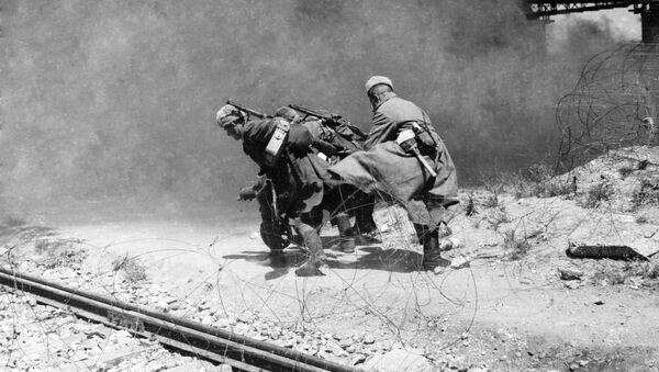 Vojáci Rudé armády v oblasti císařského mostu přes Dunaj. Vídeň, Rakousko - Sputnik Česká republika
