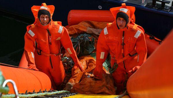 Pátrací a záchranná cvičení Severního loďstva v Barentsově moři - Sputnik Česká republika