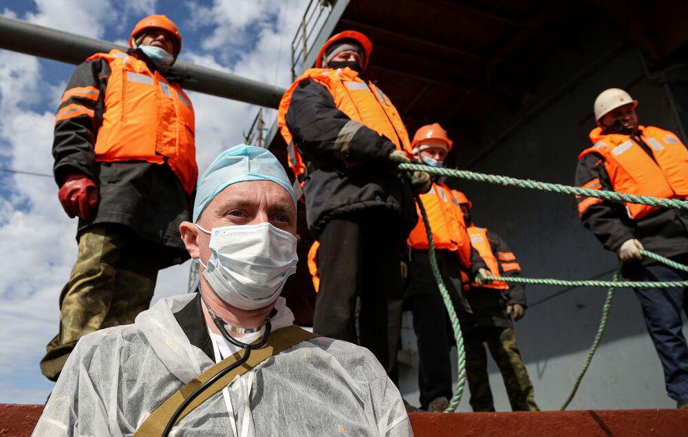 Pátrací a záchranná cvičení Severního loďstva v Barentsově moři