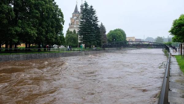 Řeka Smědá na Frýdlantsku během vytrvalých dešťů. Ilustrační foto - Sputnik Česká republika