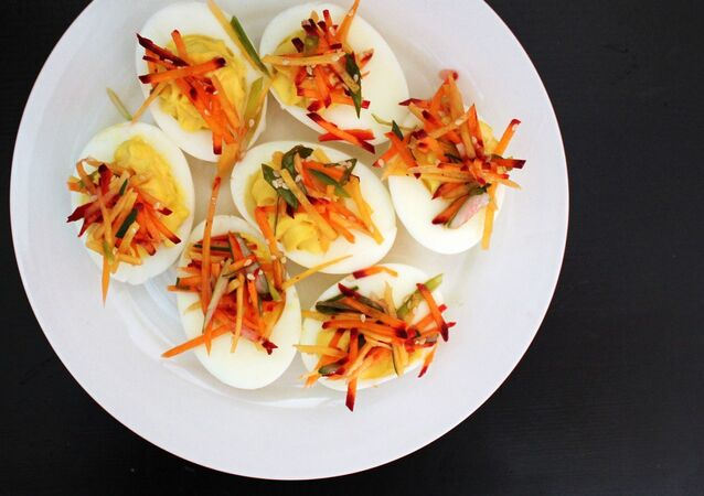 Vařená vejce na talíři