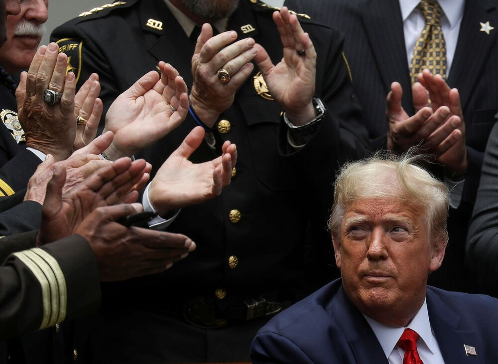 Americký prezident Donald Trump po podpisu dekretu o reformě policie