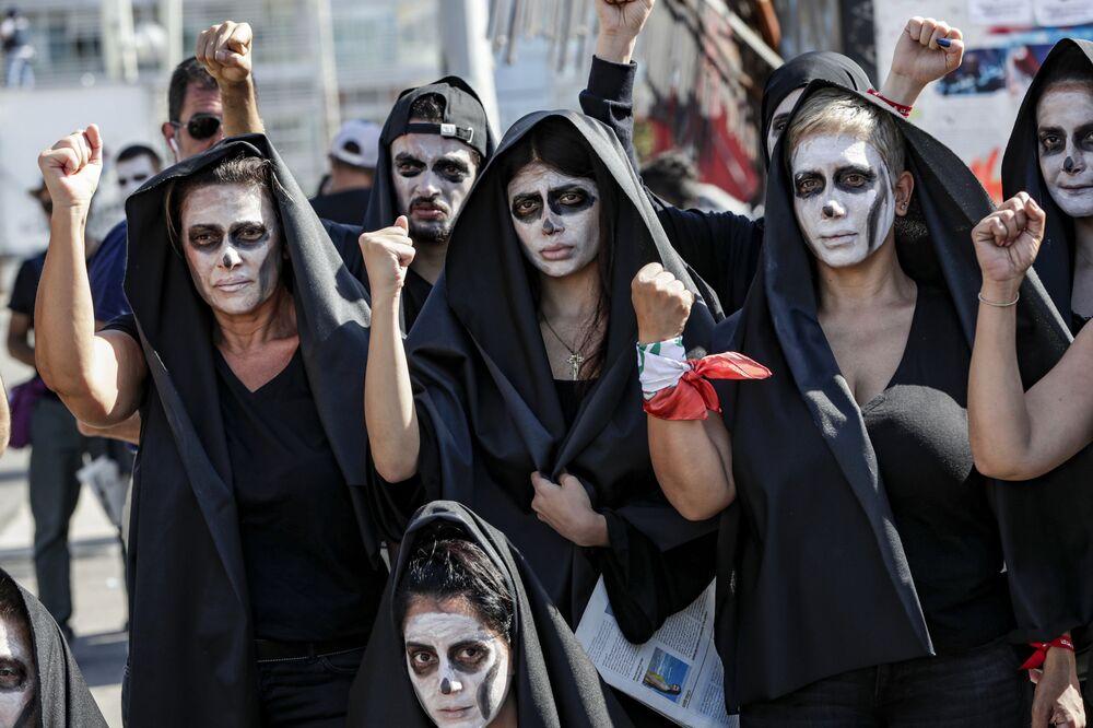 Protivládní protesty v libanonském Bejrútu vyvolané hlubokou hospodářskou krizí