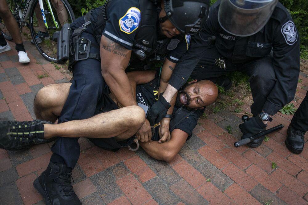 Střety s policií ve Washingtonu.
