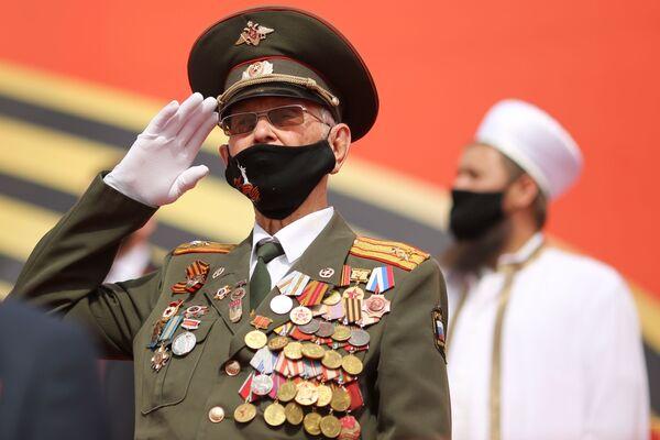Veterán na vojenské přehlídce vítězství ve Volgogradu - Sputnik Česká republika
