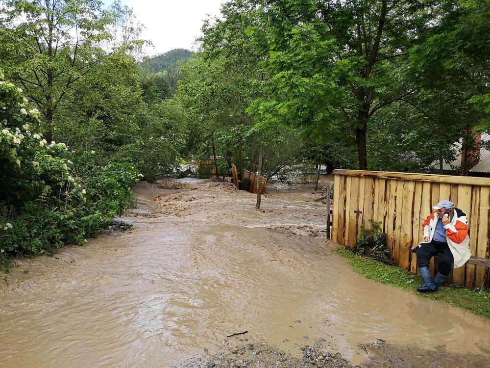 Následky záplav ve vesnici Krivorovňa, Ukrajina