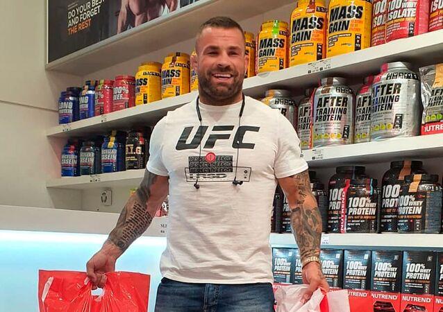 MMA zápasník Karlos Terminátor Vémola.