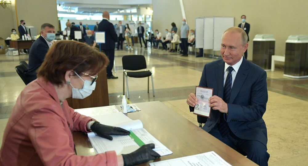 Putin se účastní hlasování o změnách v ruské ústavě