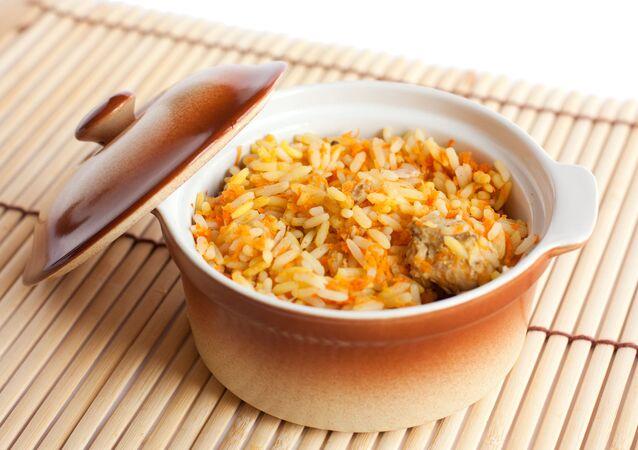 Rýže v hrnci