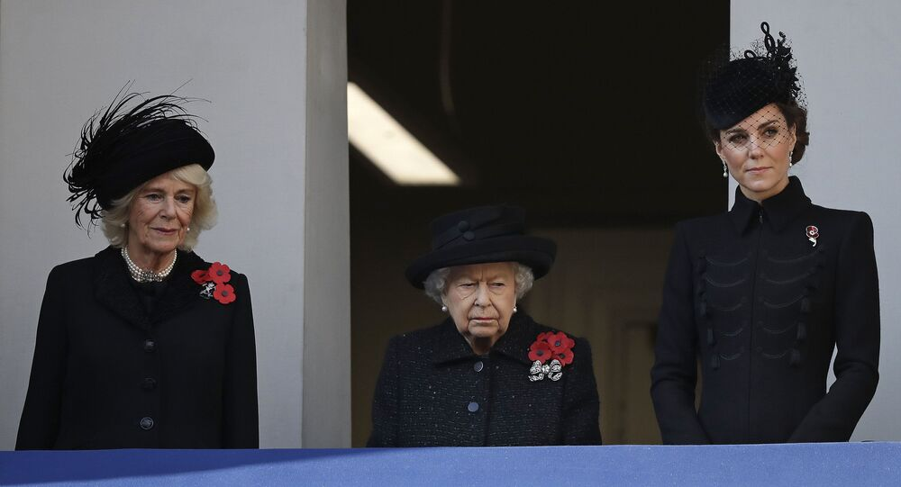 Vévodkyně Kate, královna Alžběta II. a Camilla, vévodkyně z Cornwallu