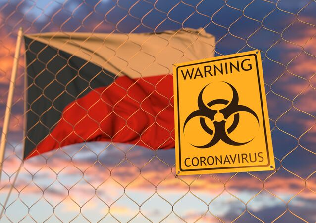 Koronavirus jen tak nezmizí