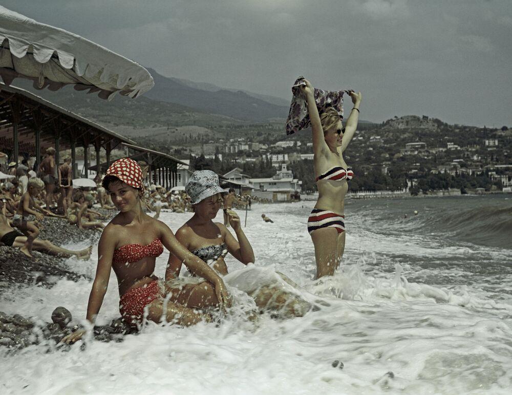 Ženy na pláži v Gurzufu