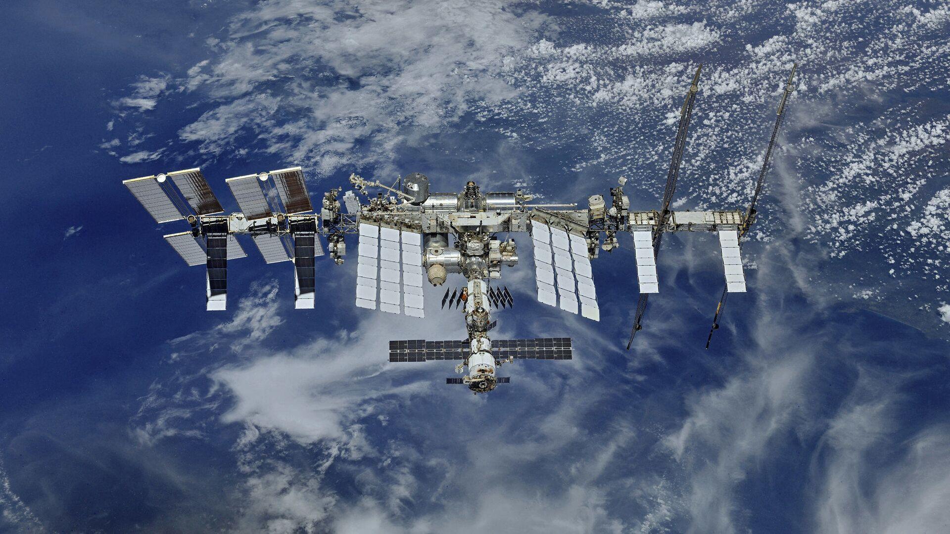 Pohled na ISS z vesmíru - Sputnik Česká republika, 1920, 30.08.2021